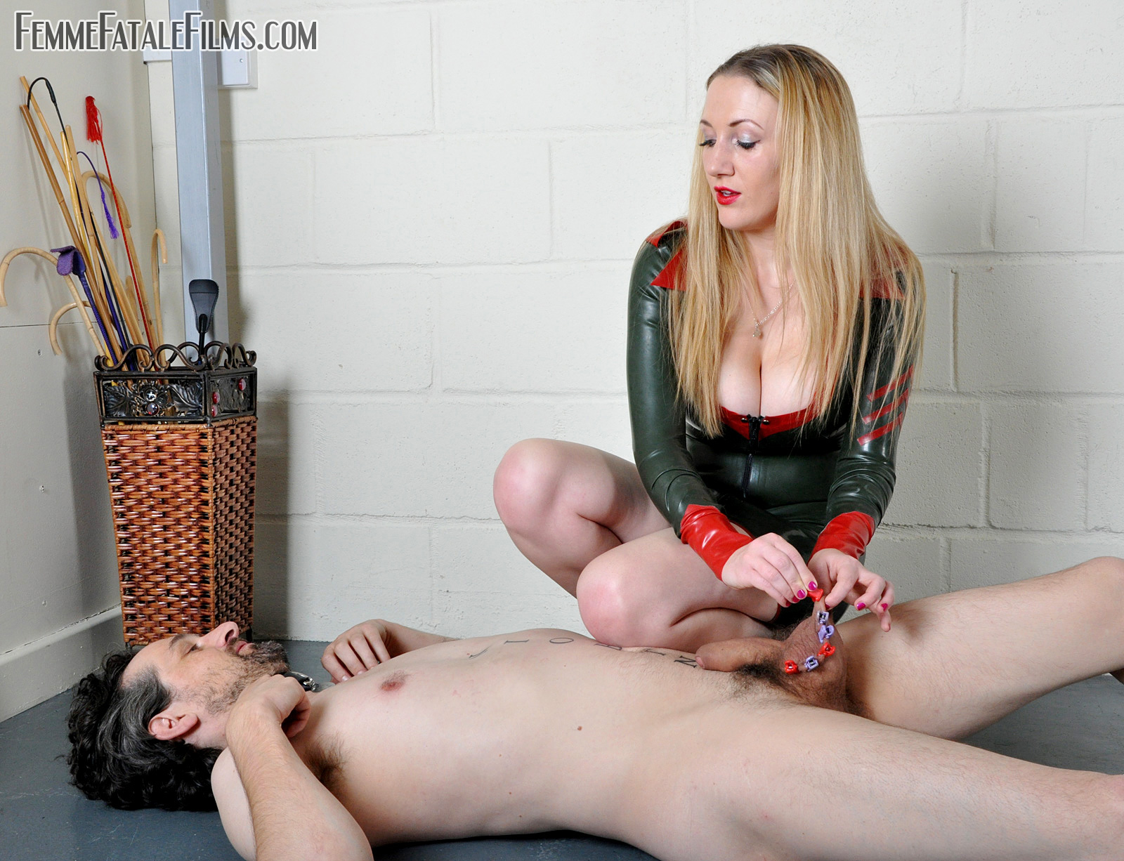 Cum on her face free video clips