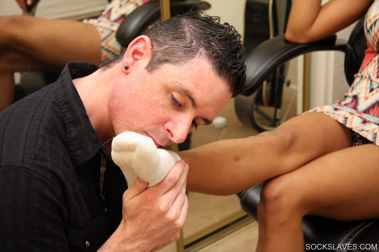 Fetish foot smell sniff