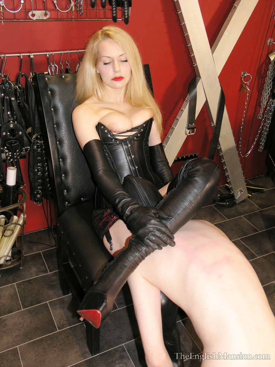 image The leather domina leather fetish total leather bondage